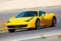 Картинка Ferrari 458 Italia, красотка, автомобиль, фон, трек, роскошь