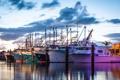 Картинка рассвет, лодки, утро, порт, гавань, рыбацкие