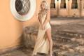 Картинка платье, блондинка, каблуки, Adrianna Russo