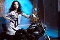 Картинка азиатка, мотоцикл, рубашка, зеркала, дым, галстук