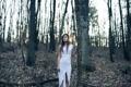 Картинка лес, листья, forest, белое платье, длинные волосы, long hair, leaves