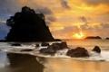 Картинка закат, камни, скалы, небо, солнце, облака, вечер