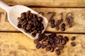 Картинка доски, кофе, зерна, цифры, лопатка