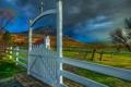 Картинка небо, облака, горы, ворота, церковь