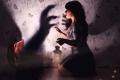 Картинка ситуация, фон, девушка, страх