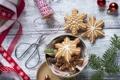 Картинка зима, снежинки, ветки, еда, ель, Новый Год, печенье