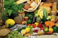 Картинка зелень, лимон, рыба, кукуруза, огурец, лук, хлеб