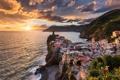 Картинка море, пейзаж, горы, город, дома, Европа