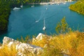 Картинка море, трава, лодка, бухта, яхта, залив