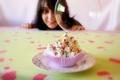 Картинка улыбка, праздник, еда, девочка, пирожное, крем, сладкое