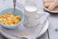 Картинка завтрак, молоко, печенье, тарелка, ложка, хлопья, кукурузные
