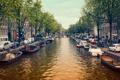 Картинка природа, город, река, люди, лодка, здания, канал