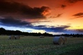 Картинка поле, небо, пейзаж, закат, сено