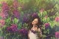 Картинка листья, девушка, цветы, природа, наслаждение, весна, цветет
