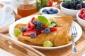 Картинка ягоды, малина, клубника, мед, виноград, блины, мята