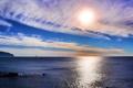 Картинка море, небо, солнце, облака, лодка, корабль, горизонт