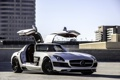 Картинка silvery, серебристый, здания, Mercedes Benz, мерседес бенц, крыша, SLS AMG