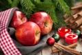 Картинка зима, шарики, ветки, яблоки, ель, палочки, свечи