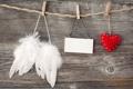 Картинка сердце, листок, крылья, ткань, прищепки, подушечка