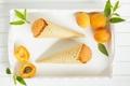 Картинка мороженое, листики, рожки, абрикосы