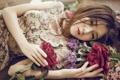 Картинка взгляд, девушка, цветы, настроение