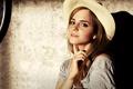 Картинка взгляд, стена, шляпа, Эмма Уотсон, Emma Watson