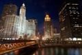 Картинка ночь, мост, город, огни, река, флаги, Chicago