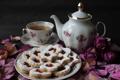 Картинка джем, заварник, лепестки, сладкое, печенье, сахарная пудра, чай