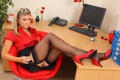 Картинка ноги, юбка, чулки, блондинка, рубашка., naomi k
