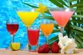 Картинка клубника, напитки, бокалы, стаканы, лайм, коктейли, стол
