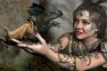 Картинка девушка, украшения, металл, узор, драконы, серьги, руки