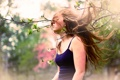 Картинка девушка, дерево, настроение