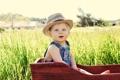 Картинка зелень, трава, радость, пейзаж, природа, дети, улыбка
