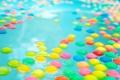 Картинка вода, шарики, текстура, бассейн