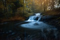 Картинка осень, лес, листья, вода, солнце, деревья, каскад