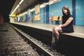 Картинка девушка, вокзал, тату