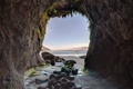 Картинка Oregon, камни, Heceta Head Lighthouse Scenic Viewpoint, пещера, океан, природа, пляж