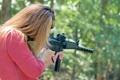 Картинка девушка, оружие, размытость, стрельбы, гражданский, 9 мм, полуавтоматический карабин