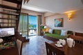 Картинка балкон, ступени, телевизор, лестница, стол, двери, диван
