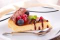Картинка ложка, пирог, смородина, шоколад, ягоды, тарелка, черника