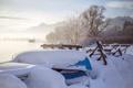 Картинка зима, снег, озеро, лодки, утро
