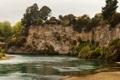 Картинка скала, река, берег, растительность, лодка, Новая Зеландия, Waikato