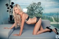 Картинка диван, нижнее белье, блондинка, Amanda Lyn
