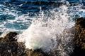 Картинка море, пена, вода, капли, брызги, камни, берег