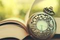 Картинка стрелки, часы, книга, страницы