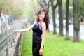 Картинка девушка, забор, азиатка