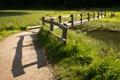 Картинка пейзаж, поле, забор, река, дорога