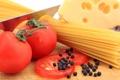 Картинка черный, spaghetti, спагетти, сыр, помидоры, перец