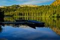 Картинка лес, вода, горы, озеро, отражение, берег, лодки