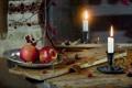 Картинка стол, яблоки, свеча, текстура, царапины, Still Life, плоды шиповника